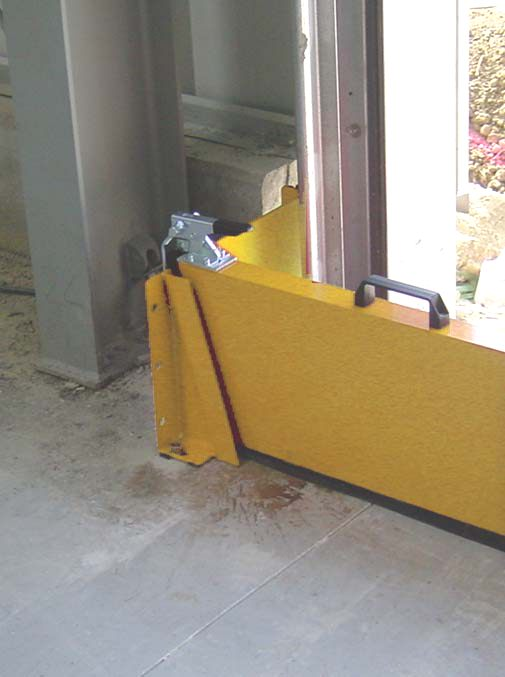 doorway spill barrier, water barrier liquistop spill barrier lq-x
